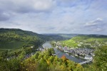 bocking photo mosel looking behind grevenurg to bernkastel